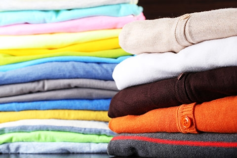Manage Clothing for Warmer Weather Easier with Professional Laundry Services